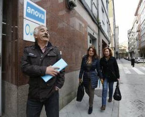 Os díscolos do PSOE de Ourense déixanse querer porAnova