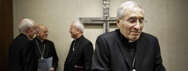 Monseññor Rouco Varela ao remate do acto de presentación da nova lei