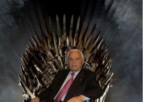 Baltar farase co Trono de Ferro na cuarta tempada de Xogo deTronos