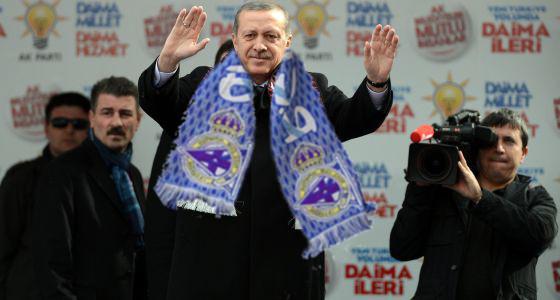 Erdogan celebrando un triunfo do Depor a pasada tempada.