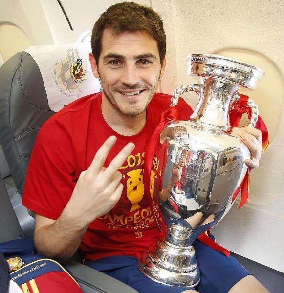 Casillas cun gin tonic celebrando que esta vez so lle meteron dous