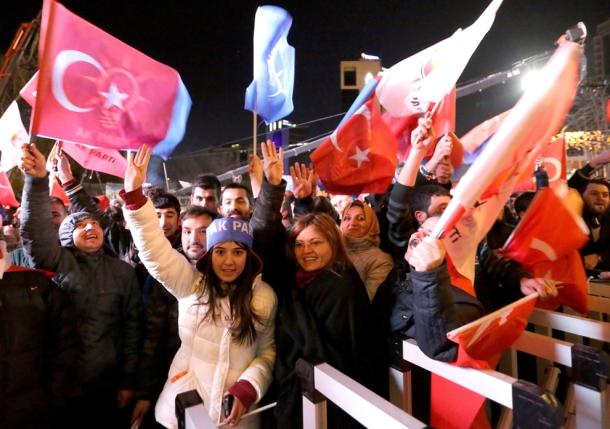 Os afeccionados do Deportivo da Coruña festexan o ascenso do seu clube