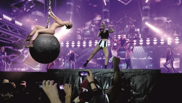Miley Cyrus Panorama