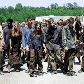 A productora de 'The Walking Dead' ficha, en bloque, 30.000 seguidores de Rajoy