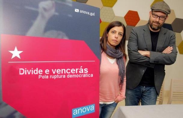 Esther Duro e Martiño Noriega presentando a súa nova campaña pola ruptura.