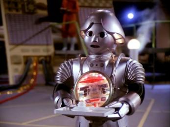 O tradutor automático portado polo androide de Buck Rogers