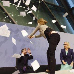 Un estudo trata de determinar se a Draghi lle asustan as mozas ou oconfetti