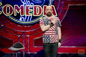 O PP pide a dimisión en pleno dos actores de 'El Club de la Comedia' por facer humornegro