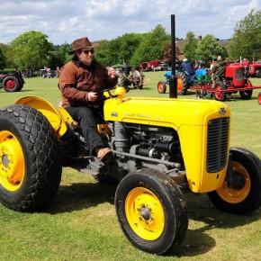"Feijóo quere un tractor ""amarillo"""