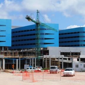 Sanidade propón peregrinacións de xeonllos ao novo hospital deVigo