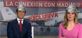 Os presentadores de Antena 3 levarán gorros de papel albal cando falen dePodemos