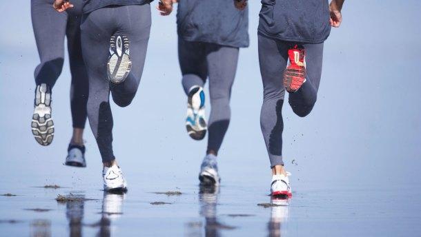 5-modelo-psicobiologico-hombres-corriendo