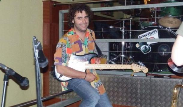 Davide de Manzaneda e a súa camisa.