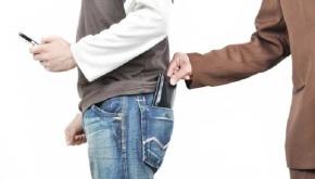 Un carteirista denuncia que lle negan á afiliación ao PP por non dar onivel