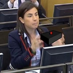 Máis de 40.000 retuises e sofpaperes acaban coa junta da trócola de Ana Belén VázquezBlanco
