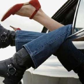 Centos de parellas de Lugo aproveitan a pinar no coche antes daprohibición