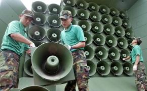 Un cura galego instala 30.000 watts de son para que ninguén se perda amisa