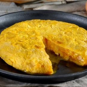 A tortilla de Betanzos pasará a denominarse 'patacas rebozadas'