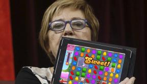 Celia Villalobos deixa a política para adicanse profesionalmente aosvideoxogos