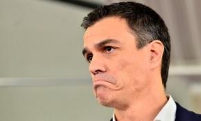 Un Pedro Sánchez deprimido péchase no seucuarto